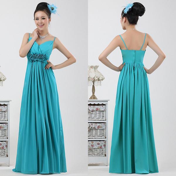 Пышное платье бирюзового цвета